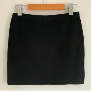 H&M Basic Black Stretchy Mini Skirt - Size Small